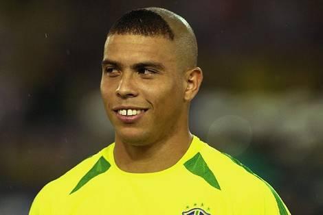 Ninguém deveria ser visto assim, nem o Ronaldo!!!!
