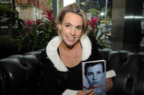 Melhor que isso, só se a própria Sophie entregasse o livro né???