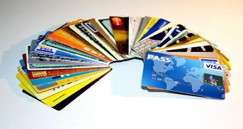Esqueça tudo o que você sabe sobre cartões de crédito: o Cartão Câncer te dá vantagens como nenhum outro!