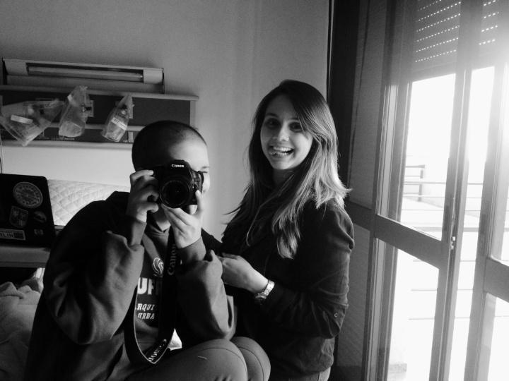 Começando o processo: Anita fotógrafa, Mari cabeleireira.