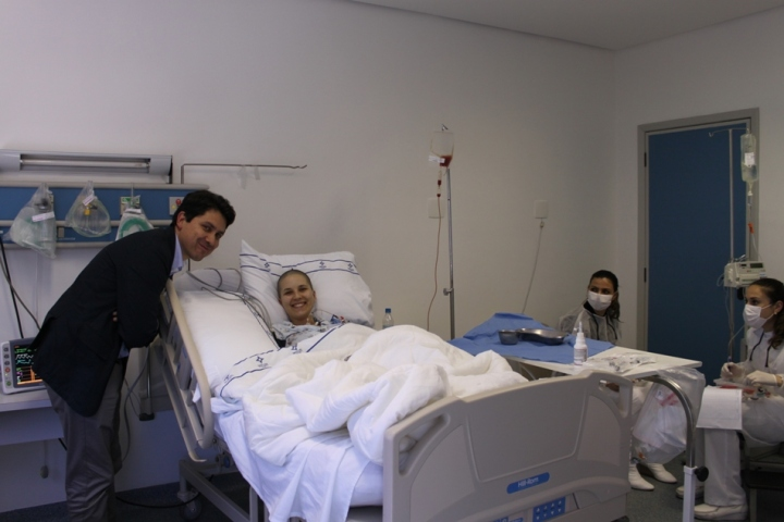 Esse é o dr. Christian, meu oncologista, que veio dar uma força!