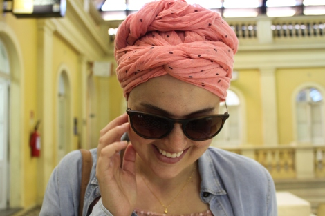 Olhem o que é essa amarração de turbante, gente! A Joy tem que nos ensinar logo!