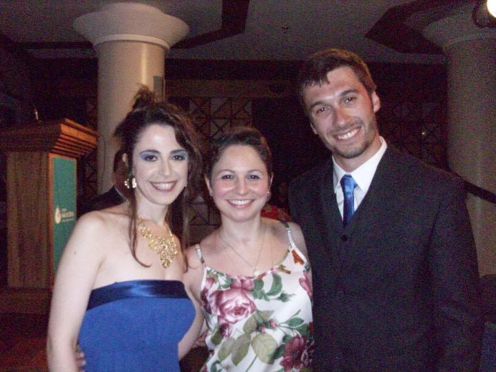 Cris (terapeuta ocupacional), Camila e Marcelo (psicólogo do hospital)