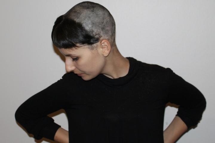 A queda do cabelo e os cortes malucos experimentados.