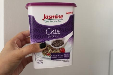 Como o Ráris não tinha Chia, adicionei uma colher! Coloco chia em tudo que posso - omeletes, yogurte...